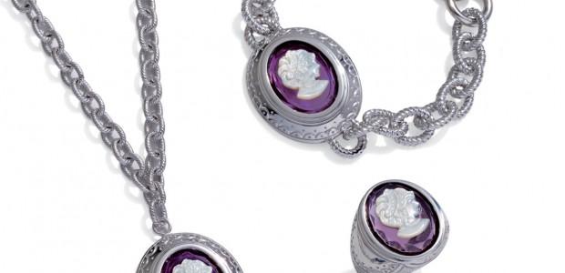 Bijuteriile sunt in ziua de astazi printre cele mai importante accesorii. In general fetele sunt cele care iubesc mai mult bijuteriile, baietii nu prea se omoara dupa asa ceva, ei […]