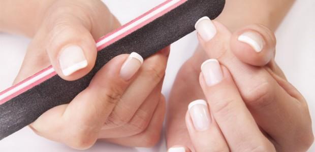 In ultimul timp auzim tot mai adesea despre manichiura unghiilor cu gel, ajungand sa ne gandim daca sunt cu adevarat convenabile sau nu. Depinde din ce perspectiva gandesti insa avand […]