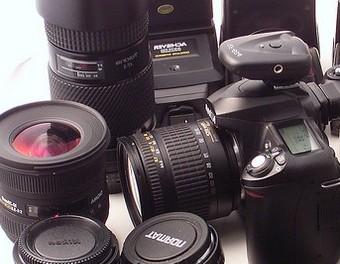 DSLR-urile sunt destul de populare si accesibile in zilele noastre – pasionatii de fotografie se pot astepta la a primi un astfel de cadou cu ocazia sarbatorilor ce urmeaza. Desi […]